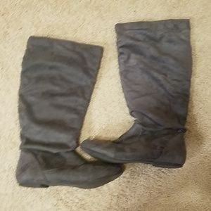 Suede gray boots